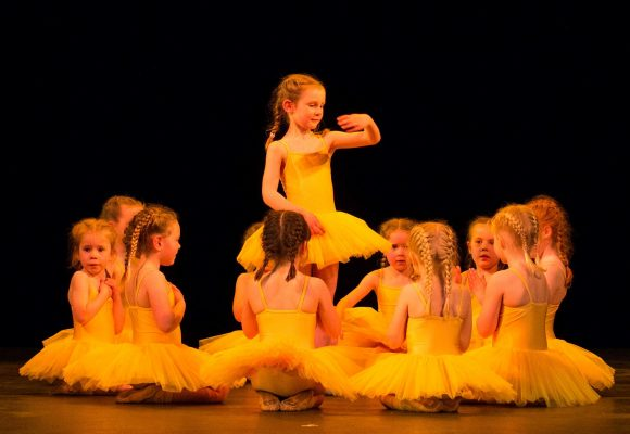 I.S.T.D. Pre-Primary Ballet & Tap/I.S.T.D. Ballet & Tap Grades/Senior & Adult Free Ballet